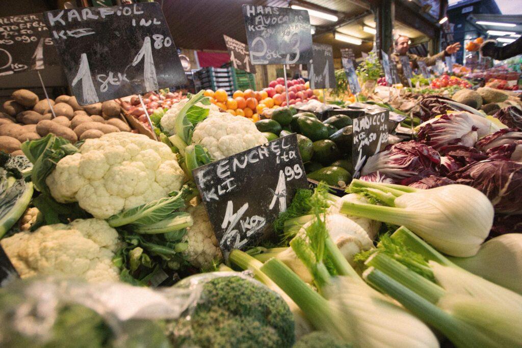 So klappt vegan einkaufen. Hier ist eine Obst- Und Gemüse