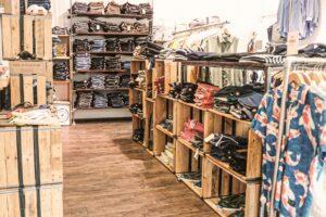 fairer Mode im Laden von zündstoff – fair organic clothes