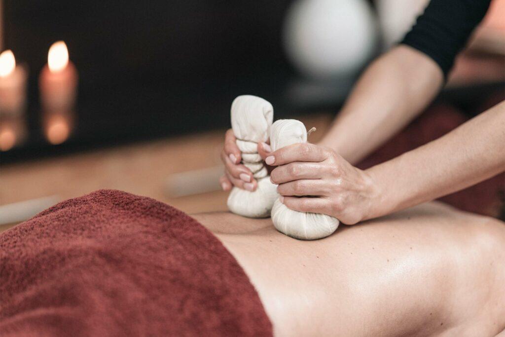 Eine Wellness-Massage in einem BIO HOTEL